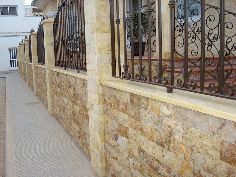 Zocalos para fachadas baldosas para exterior de diseo for Zocalo pared exterior